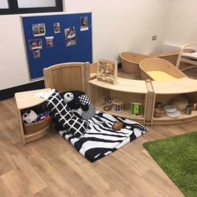 babyroom shelves